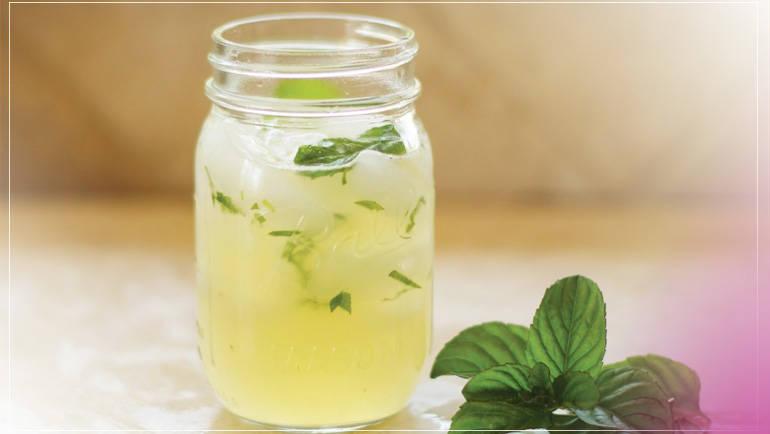Limonada de hierbabuena y coco